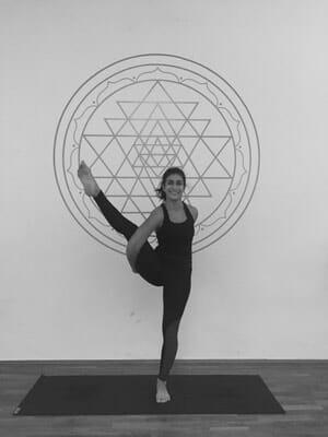 roja shoonya yoga graz